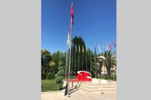 şehitlik-bayrak-direği-zirve-bayrak-van