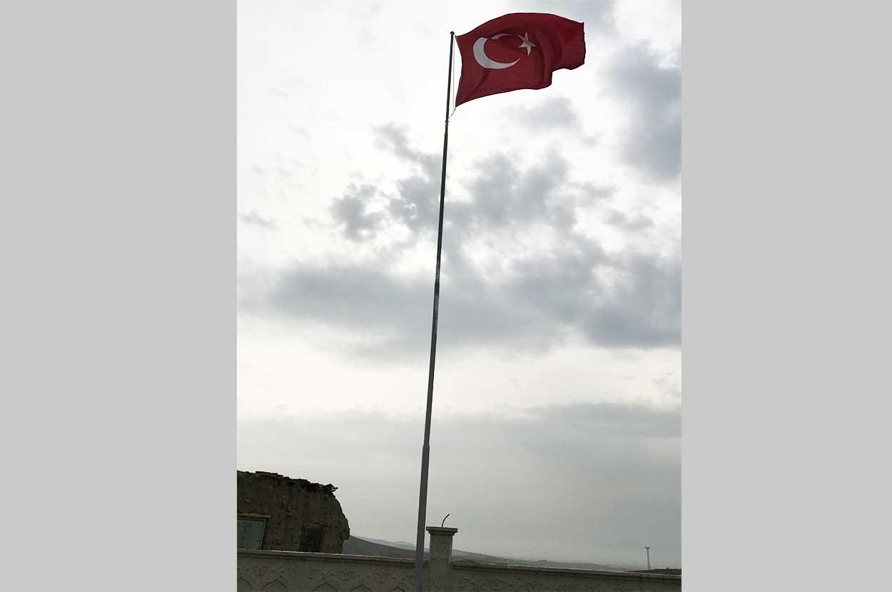 paslanmaz-çelik-bayrak-direği-zirve-istanbul